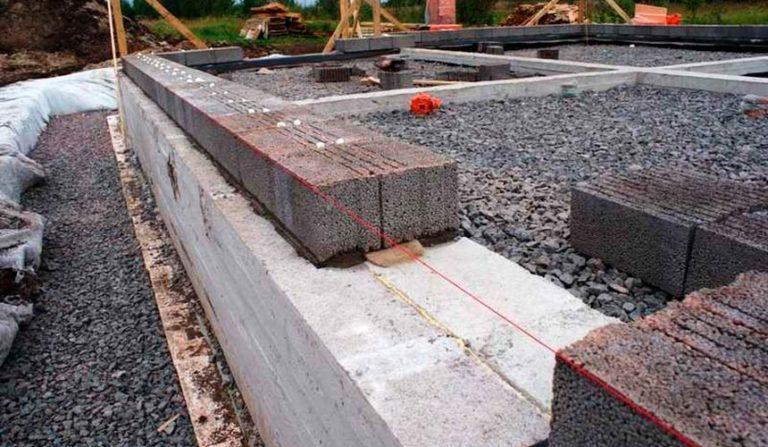 Фундамент своими руками под керамзитобетонные блоки 50