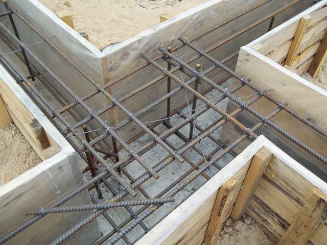 Большинство заводских изделий производится с использованием предварительно напряжённой арматуры