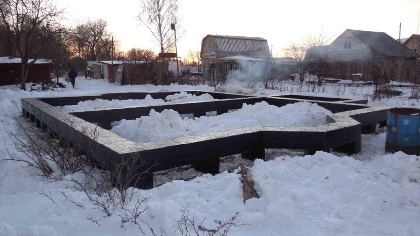 Можно ли зимой заливать фундамент?