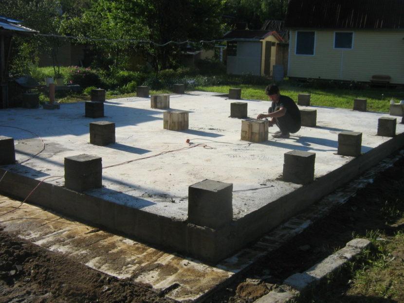 Особенности фундамента из плиты с ростверком