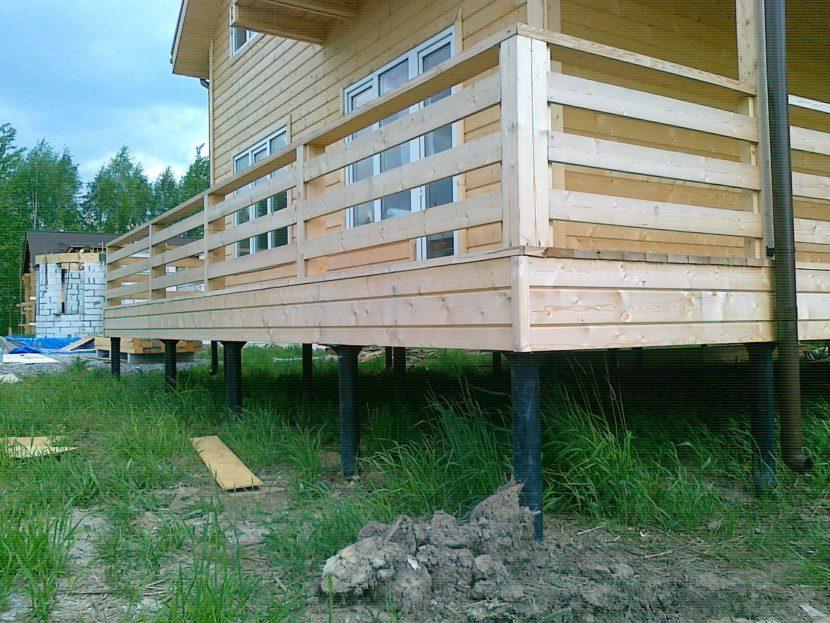 Как построить дом на сваях своими руками?
