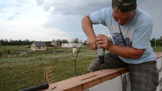 Весьма популярен такой тип крепежей, как строительные шпильки