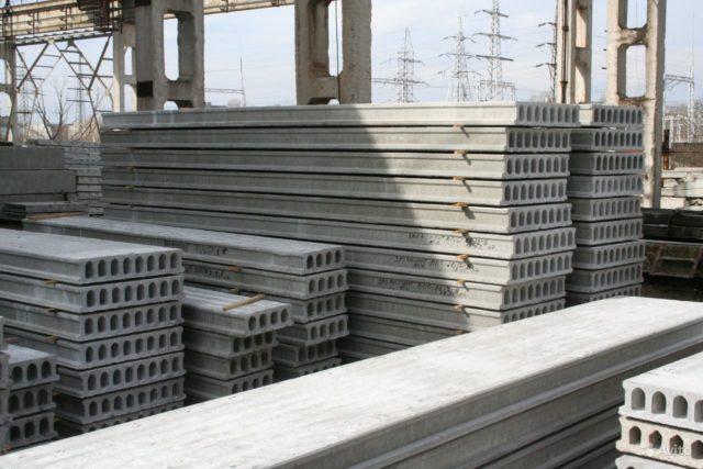 Пустотелый строительный материал имеет отличные теплоизоляционные свойства, он морозоустойчив и способствует противопожарной безопасности