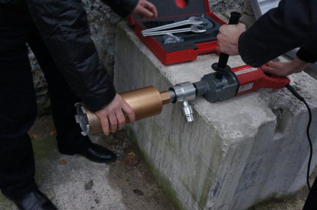 Головки изделий изготавливаются разного диаметра и длины