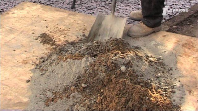 Если принято решение изготовить ЦПС самостоятельно, чтобы подобрать соотношение цемента к песку, требуется ориентировочно учесть необходимые характеристики