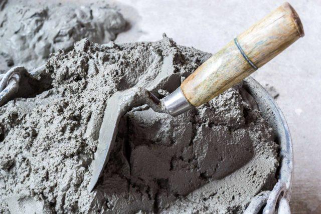 Портландцемент быстро твердеет и может содержать в своем составе минеральные добавки от 10 до 15%