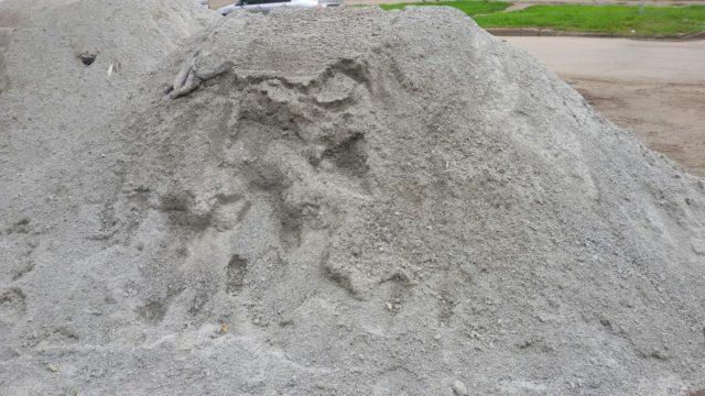 Период застывания. Определяется путем укладки цементного теста нормальной густоты на ровную поверхность – цемент должен равномерно изменять свой объем при высыхании