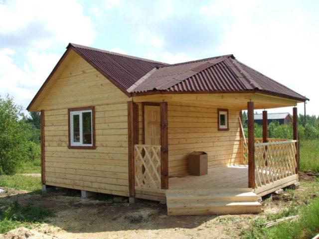 Фундамент для бани строится из тех же материалов, что и фундамент для дома