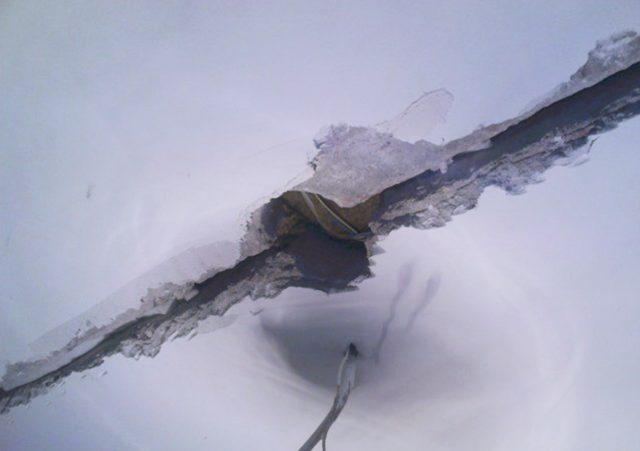 Для глубоких швов необходим цемент марки НЦ, особенностью которого является расширение при застывании, позволяющее ему плотно заполнить глубокие швы и стыки