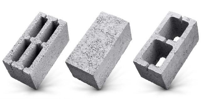 Керамзит заменил шлак в составе блоков, так как является экологически чистым лёгким, недорогим, доступным материалом