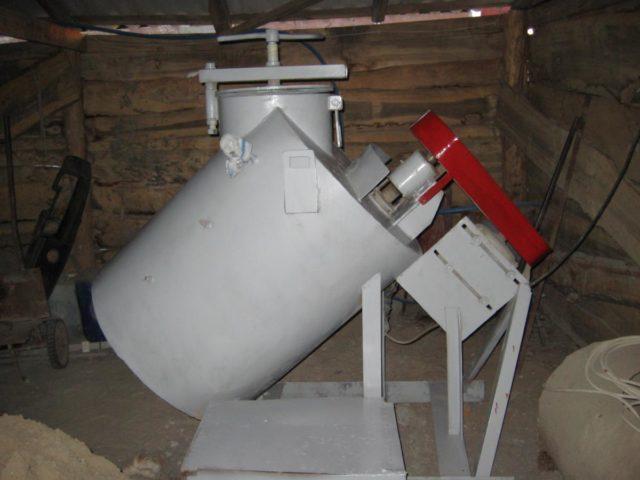 Для большого объема работ потребуется насос, оснащенный ресивером