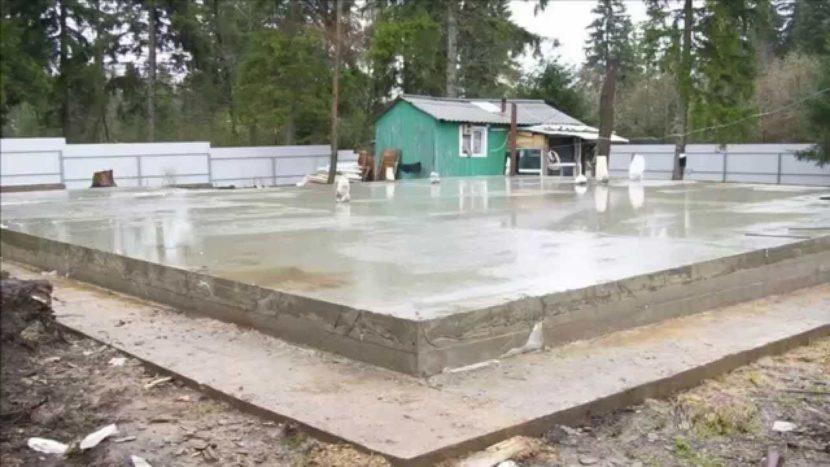 Как заливать монолитную плиту фундамента?