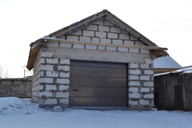 Какие блоки для гаража выбрать?
