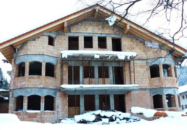 Как закрыть недостроенный дом на зиму