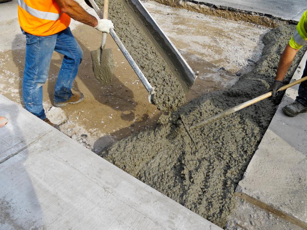 Сколько сохнет бетон (твердеет, застывает, схватывается), уход, набор прочности